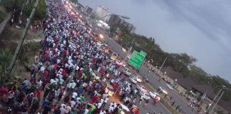 Kenyans trek to work in Nairobi this morning