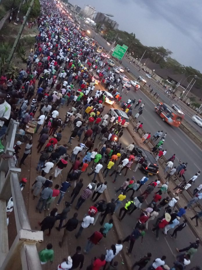 Kenyans trek to work in Nairobi this morning