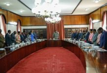 President Uhuru chairing a Cabinet meeting.